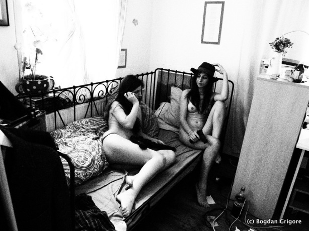 nuduri artistice - gangster girls