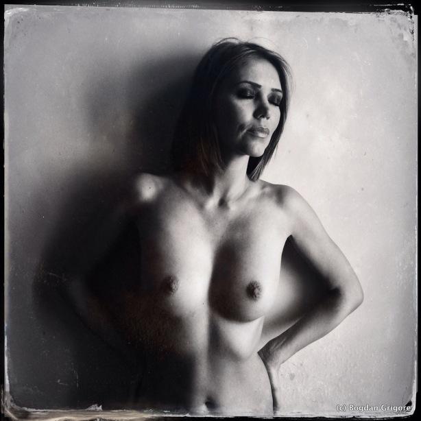 Bogdan Grigore - nuduri artistice - Nicoleta - iphone